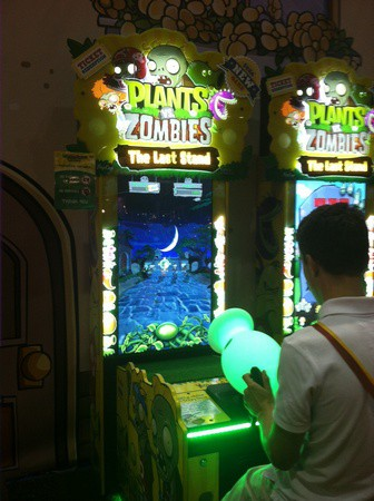Plants vs. Zombies the Last Stand, SEGA, США